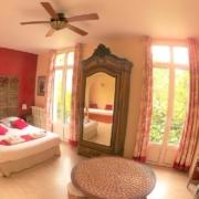 Chambre d'hôtes spacieuse familiale avec vue à Carcassonne : Griotte