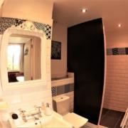 Chambre d'hôtes à Carcassonne : salle de bain de Griotte