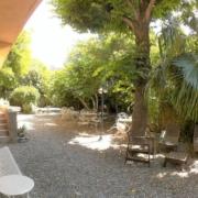 Chambre d'hôtes à Carcassonne avec jardin ombragé